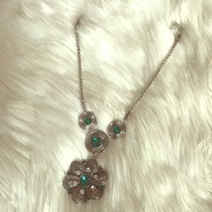 Jewelry - Necklace with green stones